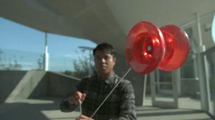 Enlace a Un verdadero maestro del Yo-Yo