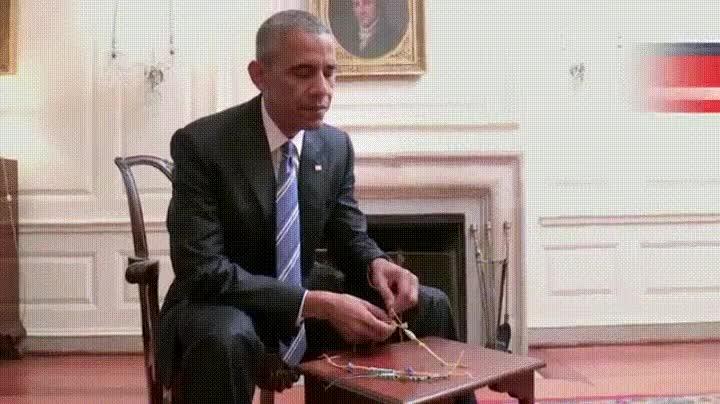Enlace a Obama también hace aquellas pulseras típicas del campamento de verano