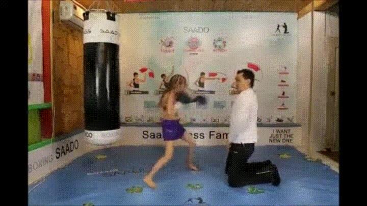 Enlace a Una niña de 8 años es la gran esperanza del boxeo