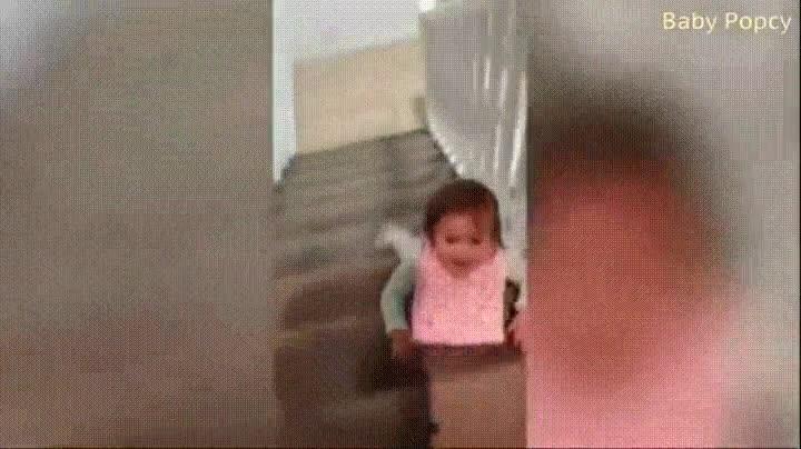 Enlace a Igual habría que decirle que las escaleras no se bajan de este modo