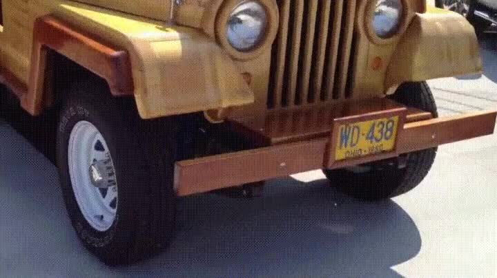 Enlace a Jeep customizado de madera