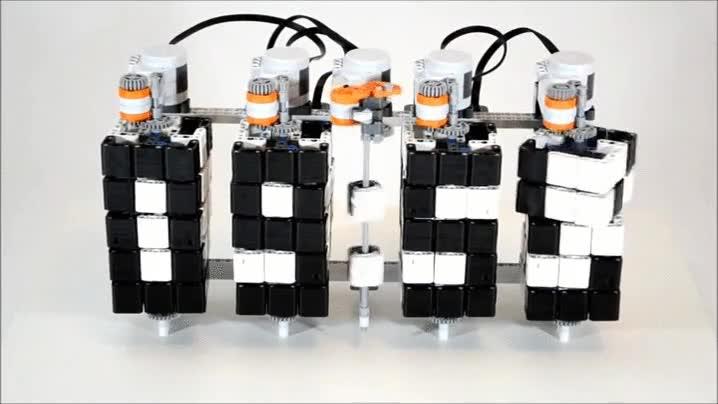 Enlace a Reloj digital creado con LEGO
