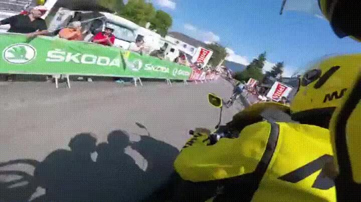 Enlace a Tremendo fail causado por un arco inflable del Tour de Francia