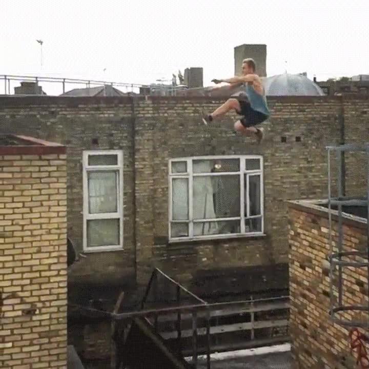 Enlace a Parece un salto imposible, incluso en cámara lenta