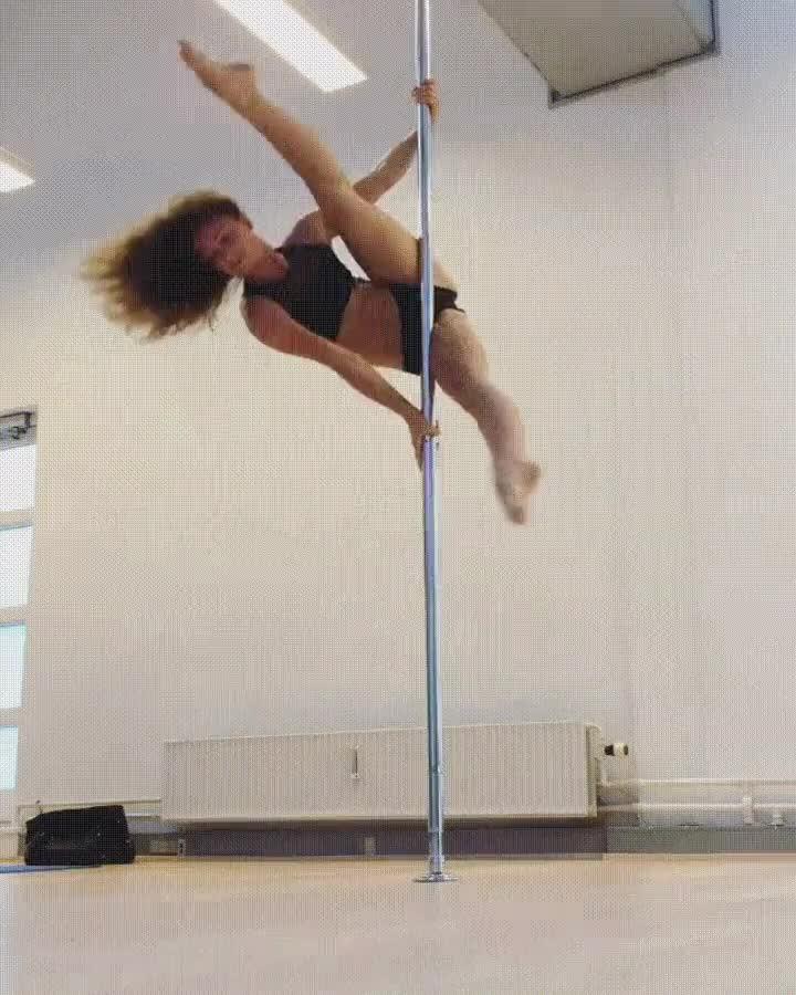 Enlace a El arte atlético del baile en barra