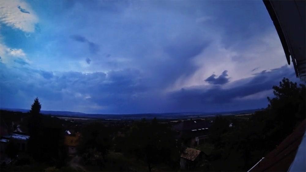 Enlace a Timelapse de una espectacular tormenta en Hungria