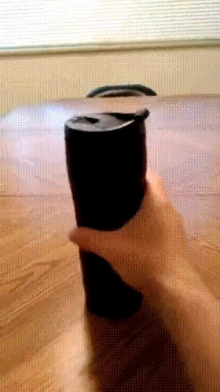 Enlace a El mejor recipiente para todos los torpes que nos solemos tirar el café encima