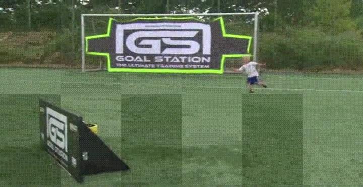 Enlace a La mejor forma de celebrar un gol, aunque tiene que doler lo suyo