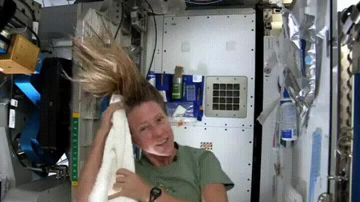 Enlace a Ventajas de ser un hombre en el espacio