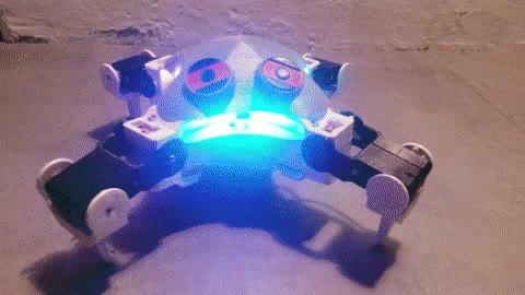 Enlace a Robot creado con una impresora 3D. Lo único malo es que tiene carita de pena