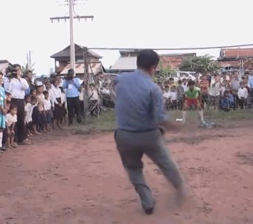 Enlace a Cuando golpeas la pelota equivocada