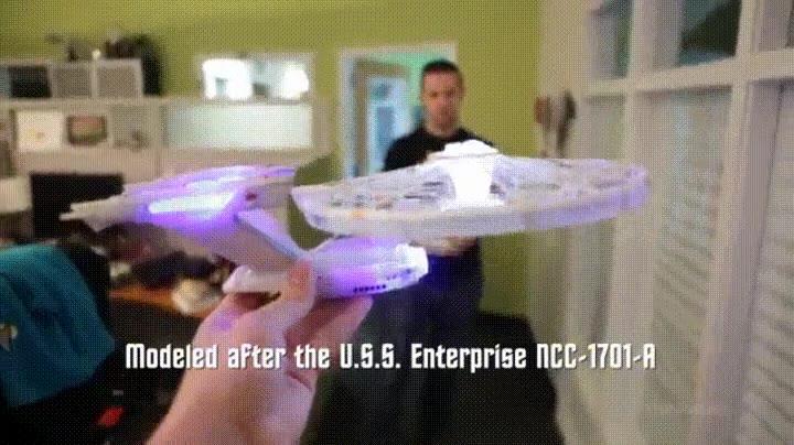 Enlace a Quadcopter de Star Trek. Quieres uno y lo sabes