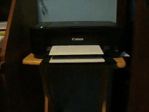 Enlace a Cuando la impresora de casa tiene más ritmo que tú en las discotecas