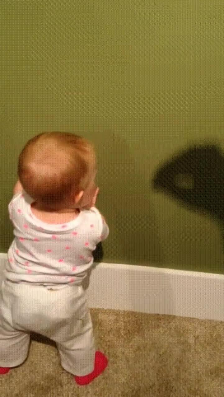 Enlace a Si eres habilidoso puedes derribar a tu propio hijo con el poder de tu sombra