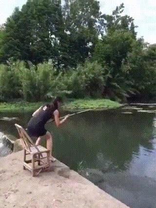 Enlace a Cuando quieres pasar una tranquila mañana pescando y te sale TODO mal