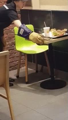 Enlace a Cuando llevas tu Samsung al Burger King