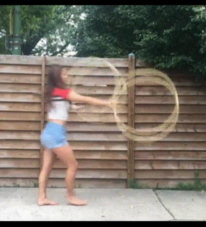 Enlace a Más habilidades extraordinarias con el hula hoop