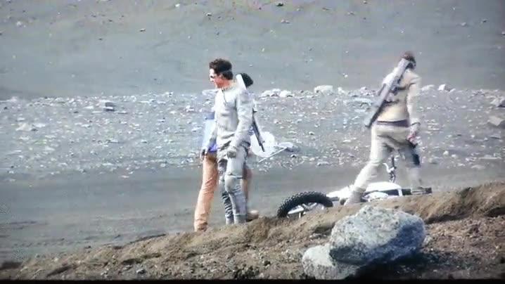 Enlace a Tom Cruise no necesita extras. Se pudo ver en Oblivion (2013)