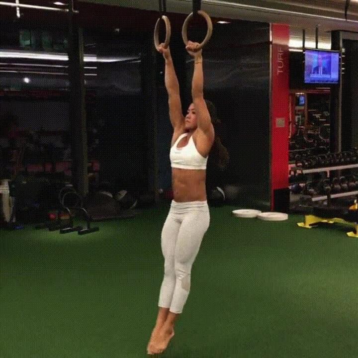 Enlace a Tremenda demostración de fuerza y flexiblidad