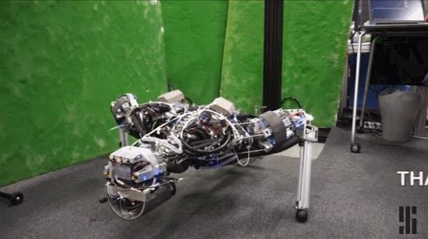 Enlace a Ya están fabricando el primer prototipo de Terminator. Vamos a morir todos