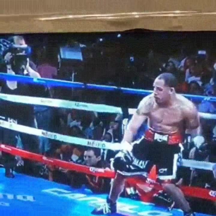 Enlace a Primer combate de boxeo del hombre invisible