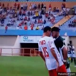 Enlace a Cuando dos jugadores deciden fingir una lesión en el mismo instante