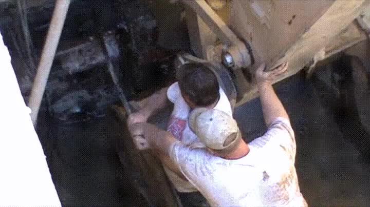 Enlace a Abriendo la puerta de un silo 30 años después de ser cerrada