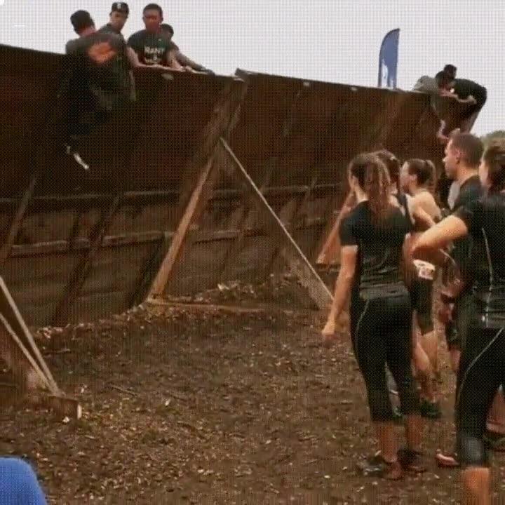 Enlace a Hombre sin pierna ni brazo humillando al resto de participantes