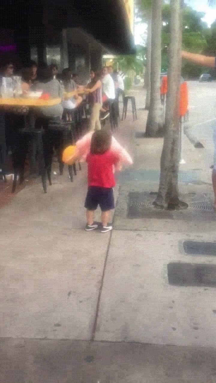 Enlace a ¿De dónde demonios has sacado ese globo?