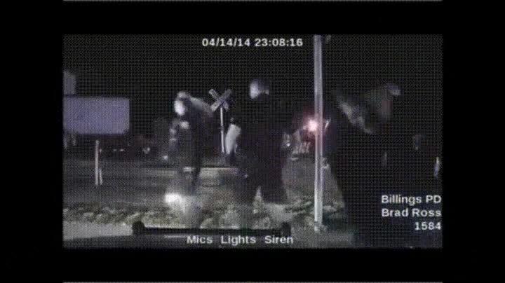 Enlace a Policía derrumbándose después de derribar a un hombre armado. Ellos también son humanos