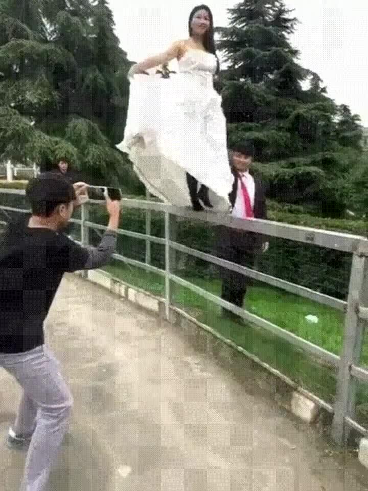 Enlace a La peor sesión de fotos previa a una boda