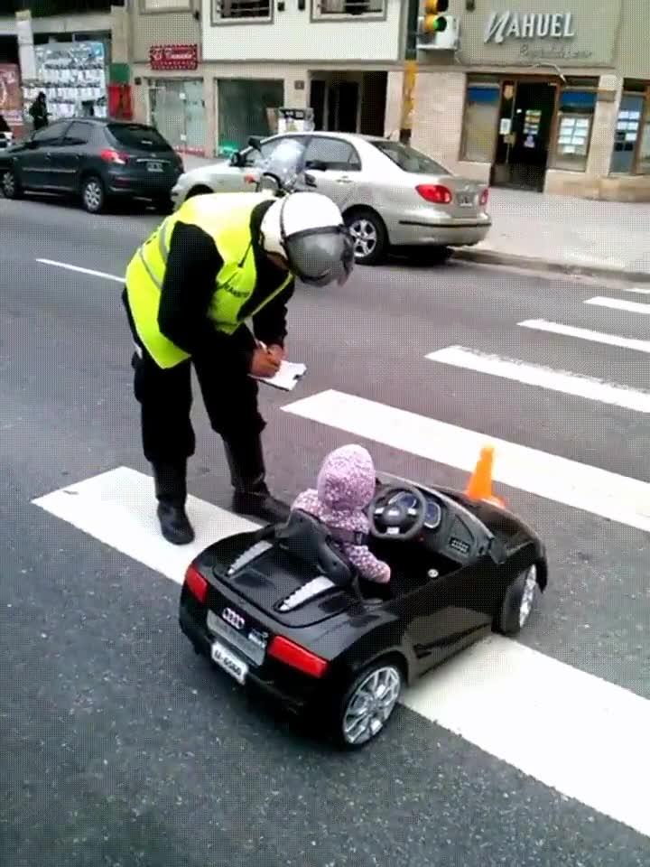 Enlace a La seguridad vial es algo importante que hay que enseñar a todas las edades