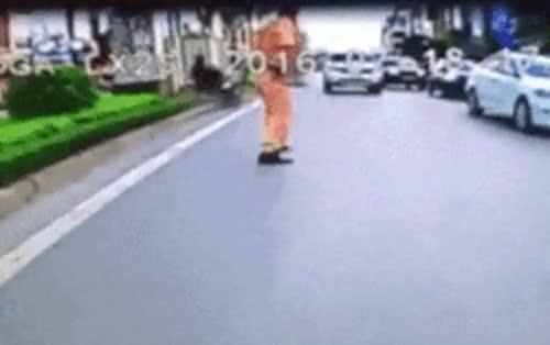 Enlace a Así es cómo la policía vietnamita arresta a los criminales