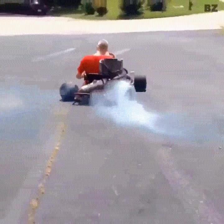 Enlace a Tantas horas de Mario Kart tenían que servir para algo