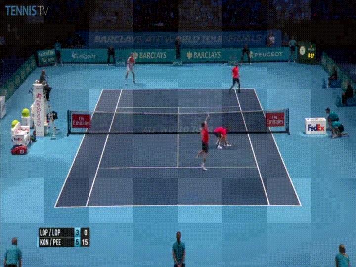 Enlace a Espectacular punto visto en un partido de dobles