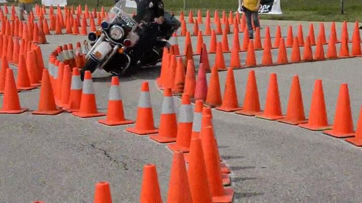 Enlace a Increible control en un examen de motocicleta