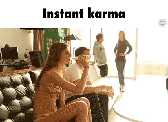 Enlace a El karma suele actuar de la forma más inesperada