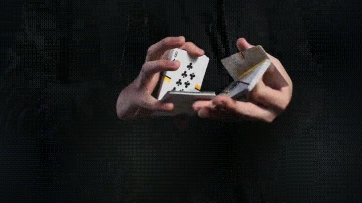 Enlace a Increíble habilidad para barajar cartas