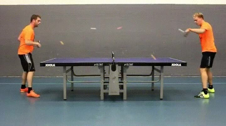 Enlace a Jugando a ping pong con 5 pelotas a la vez