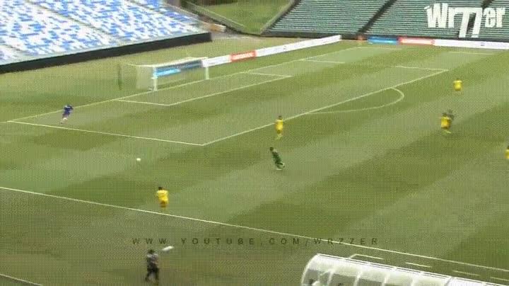 Enlace a Portero marcando el gol más difícil de su carrera