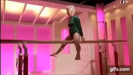 Enlace a Mujer de 86 años haciendo gimnasia como una campeona