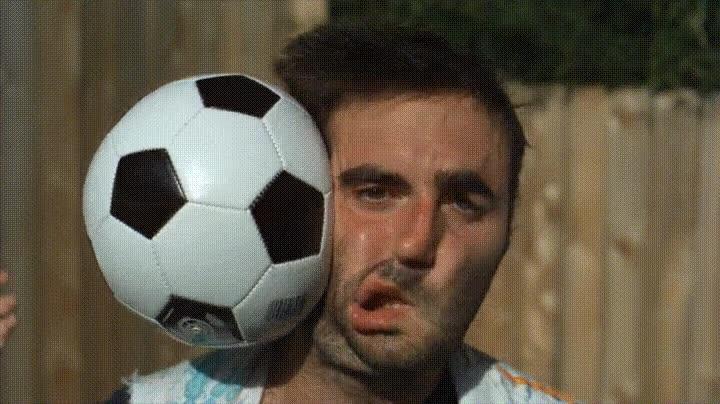 Enlace a Todos hemos recibido un balonazo alguna vez. Ahora puedes verlo a cámara lenta