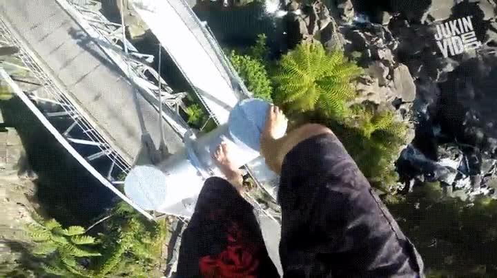 Enlace a ¿Te ateverías a hacer este salto?