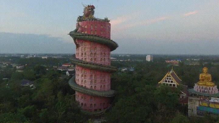 Enlace a El increíble Templo del Dragón de Samphran