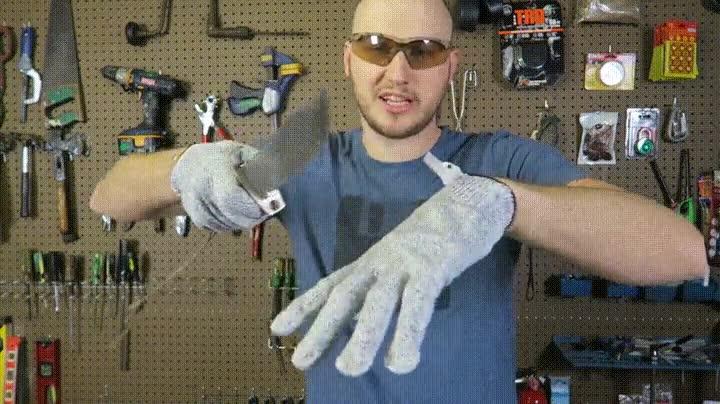 Enlace a Probando unas guantes resistentes a los cortes