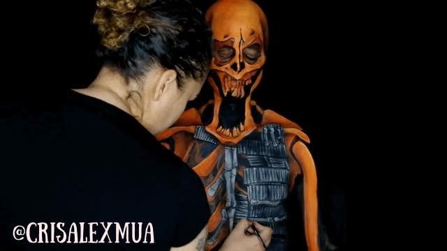 Enlace a CrisAlexMua alucinándonos una vez más con tatuajes