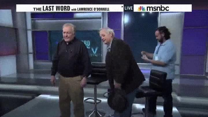 Enlace a El mítico batacazo de Bill Murray intentando sentarse en una silla