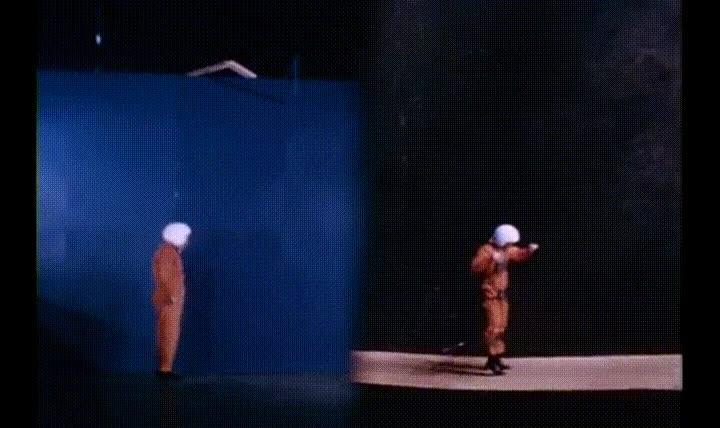 Enlace a Saltar en la tierra VS Saltar en la luna