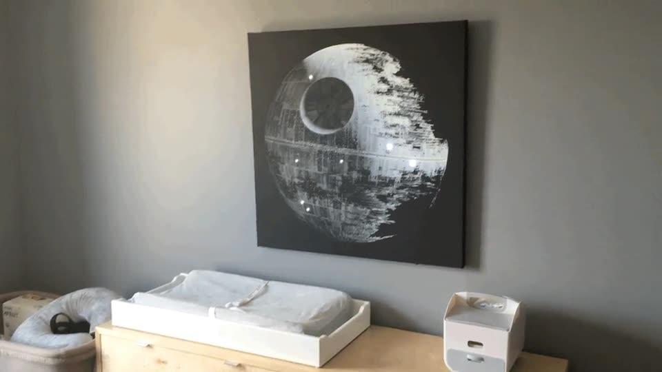 Enlace a Un día le explicaré a mi hijo que lo que alumbra sus noches no la luna
