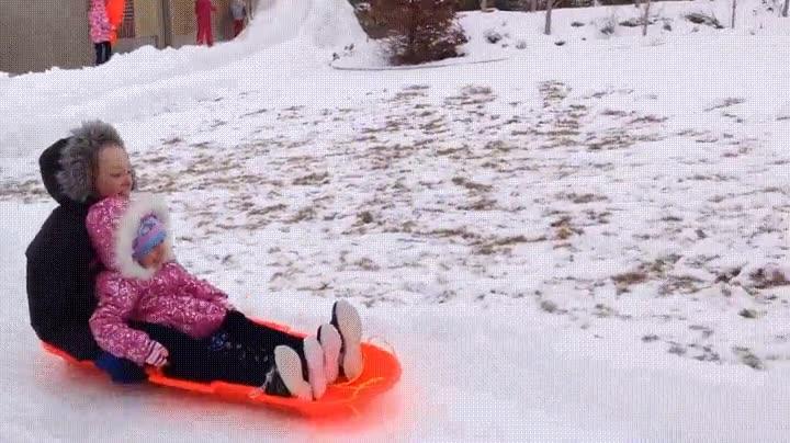 Enlace a Cuando llega la nieve y conviertes el jardín de casa en un parque de atracciones